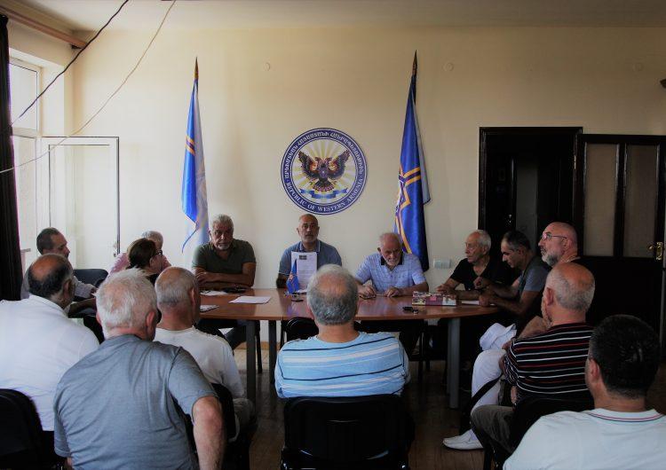 Batı Ermenistan'ın Yerevan'daki ofisinde çalışma toplantısı