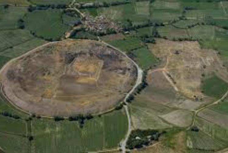 Процесс раскопок на археологическом холме в Кесарии затягивается
