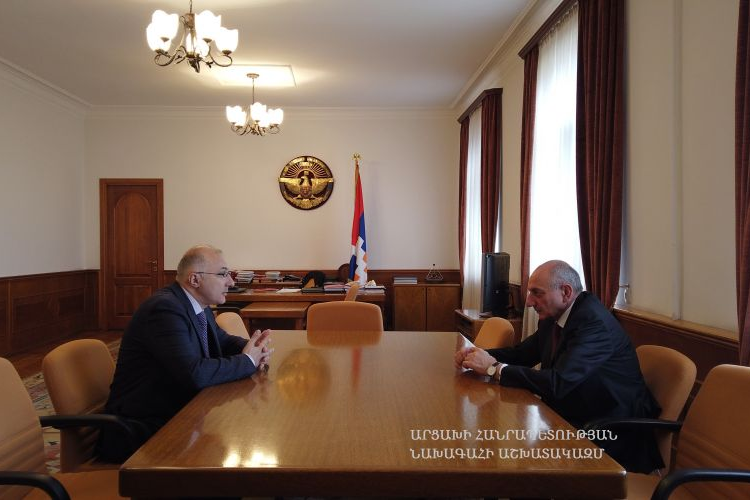 """Artsakh Cumhuriyeti Devlet Başkanı Bako Sahakyan, """"Hayastan"""" adlı Pan-Ermeni fonu genel müdürü Haykak Arşamyan'ı makamında kabul etti"""