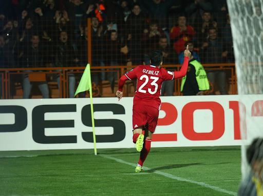 """Aras Özbilis kariyerine Yerevan'ın """"Ararat"""" futbol takımında devam edebilir"""