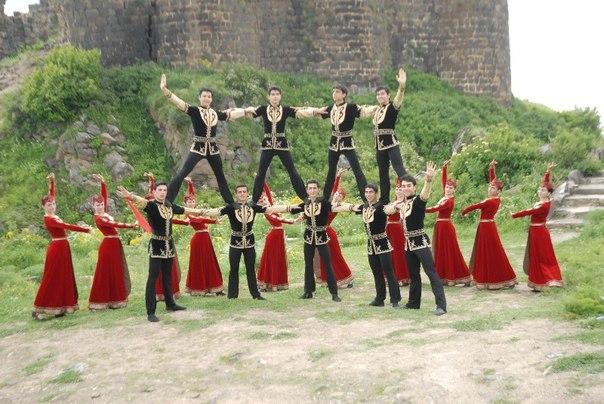 Ռուսաստանի Դաշնութեան մայրաքաղաքի օրուան նուիրուած համերգին ժամանակ ներկայացուեր է հայկական «Բերդ» հնագոյն պարը