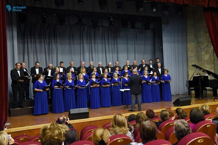 В Степанакерте состоялся концерт хора «Комитас»