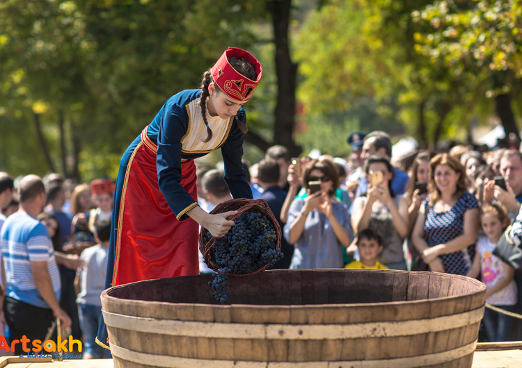 Արցախեան գինիի փառատօնը պիտի կայանայ հետաքրքիր նորարարութիւններով