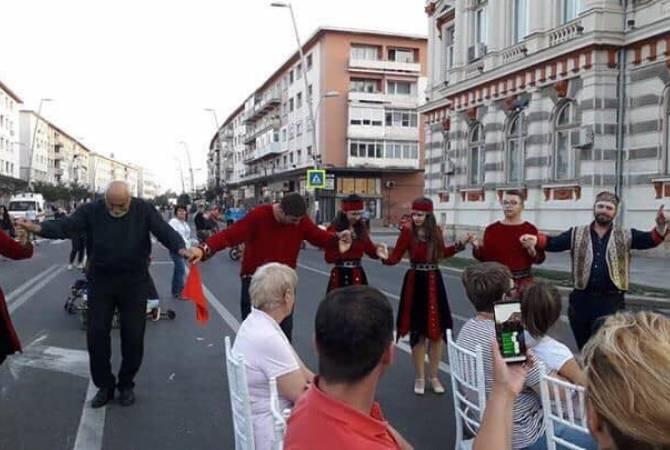 Фестиваль «Армения» прошел на Трехцветной площади Бакэу в Румынии