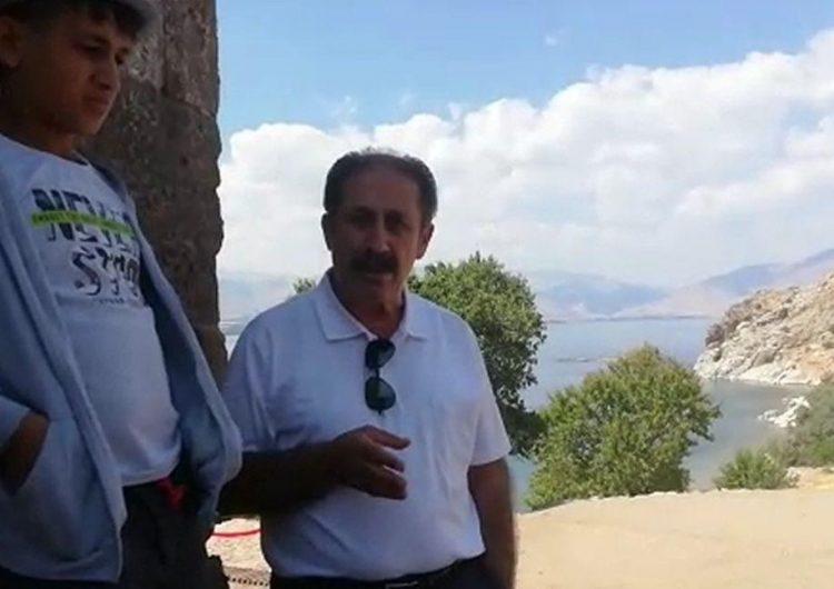 Армяне Муша раздавали виноград участникам литургии в церкви Сурб Хач