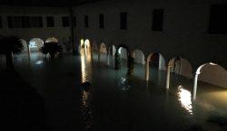 Kutsal Lazar Adası'ndaki Mkhitaryan Cemaat Kompleksi sular altında kaldı