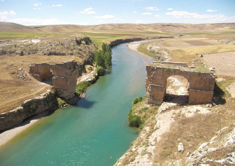 Սամոսատի մէջ՝ ուժանակով պայթեցուած պատմական կամուրջը 200 տարի անց վերականգնուեցաւ