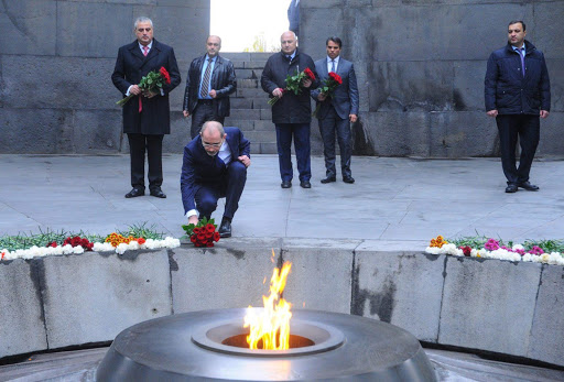 Jordan's Foreign Minister pays tribute to the memory of  Genocide  against Armenians victims