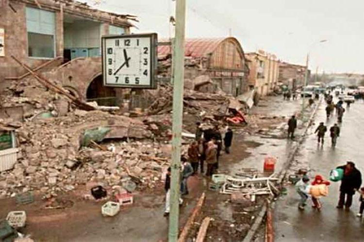 7 декабря 1988 года разрушительное землетрясение потрясло Армению
