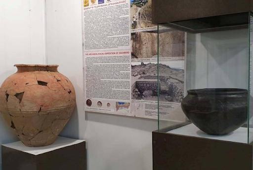 """Ermenistan Cumhuriyeti'nin Sevan gölü havzasında bulunan eşsiz arkeolojik eserler """"Erebuni"""" Müzesi'nde sergilendi"""