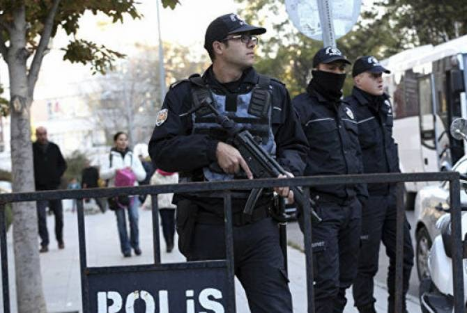 Türkiye'de, Gülen ile ilişkileri olduğu sanılan 176 subay için tutuklama emri çıkarıldı