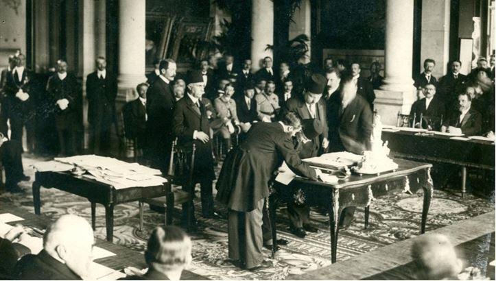 Le Centenaire de  l'indépendance de l'Arménie Occidentale et la vérité historique