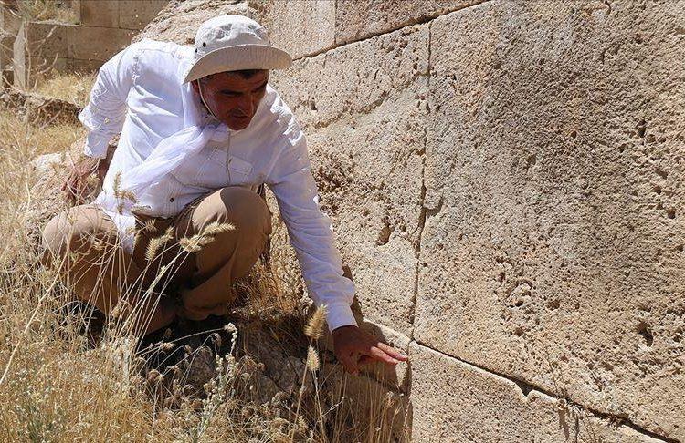 Урартцы (армяне) против землетрясения используют клинописный камень