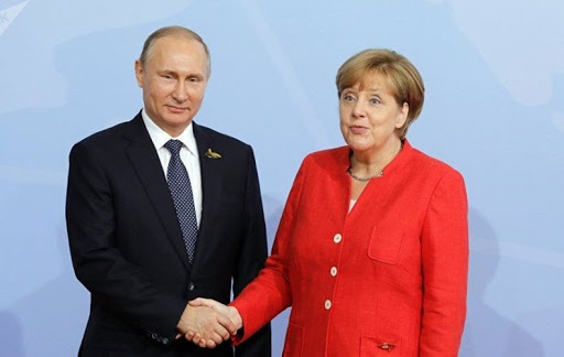 Merkel ve Putin Rusya'da Ortadoğu'daki durumu tartışacaklar