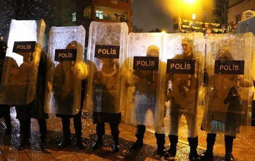 Запрет на акции протеста, шествия и конференции снова был продлен в Ване