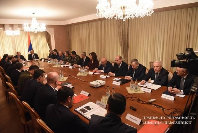 В Степанакерте прошло совместное заседание Совбезов Армении и Карабаха с участием Пашиняна