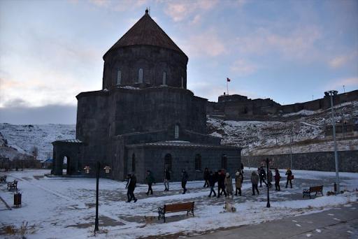 Avrupa Birliği ülkelerinin büyükelçileri Batı Ermenistan'ın Kars şehrinin tarihi yerlerini gezdi