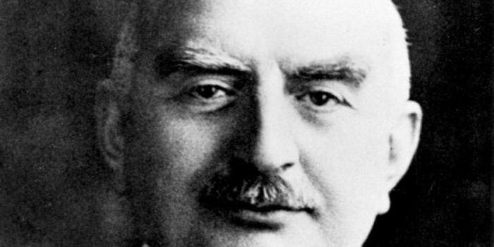1869-ին այս օր ծնած է մեծ բարերար եւ գործարար Գալուստ Գիւլբենկեանը