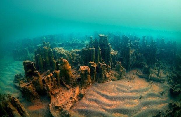 Ruins of a 3000-year old Armenian castle found in Lake Van – Western Armenia
