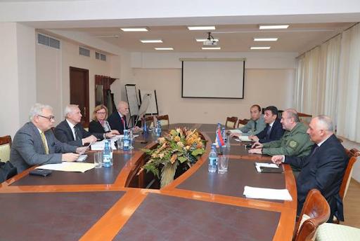ՆԱՏՕ-ի խորհրդատուական խումբն այցելեր է Հայաստանի ռազմաուսումնական հաստատութիւններ