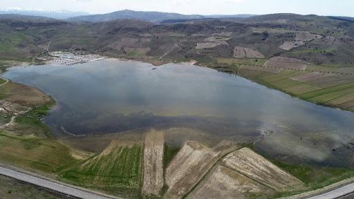 Batı Ermenistan'ın Sivas-Sebastia'da geçtiğimiz yaz tamamen kuruyan Bürakn gölü yeniden su tuttu