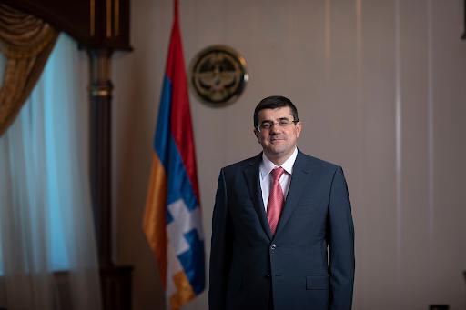Batı Ermenistan Devlet Başkanı Armenak Abrahamyan yeni seçilen Artsakh Cumhuriyeti Cumhurbaşkanı Arayik Harutyunyan'ı kutladı
