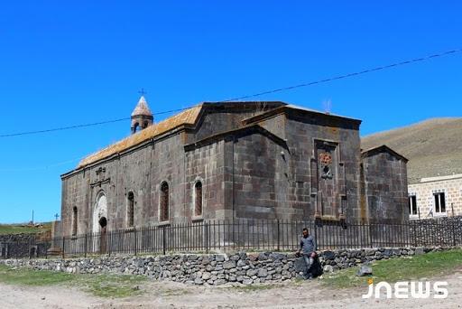 Ջավախքի Կարծախ գյուղի Սբ. Կարապետ եկեղեցին վերանորոգելու համար հաշվեհամար է բացվել