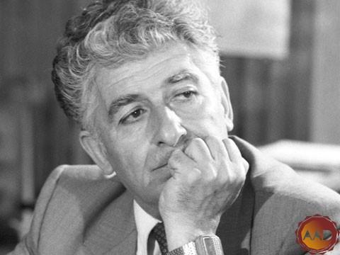1921 թ. այս օրը ծնվել է Էդվարդ Միրզոյանը՝ հայ կոմպոզիտոր, երաժշտական և հասարակական գործիչ