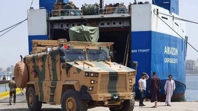 Турция продолжает перемещать боевиков в Ливию