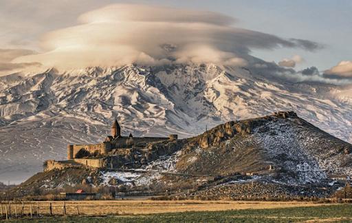 Հայաստանն ու երկրի խորհրդանշան Արարատ լեռը՝ ԱՄՆ պետքարտուղարության ամսագրի շապիկին