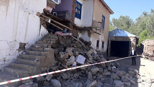 Batı Ermenistan'ın Van şehrinde 5.4 büyüklüğünde deprem meydana geldi