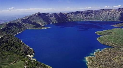 Normalleşme süreci sonrası Batı Ermenistan'ın Nemrut Krater Gölü ziyaretçilerini ağırlamaya başladı