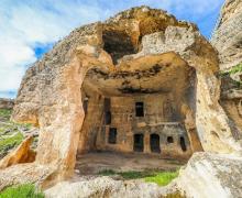 Пещеры Хасуни в Тигранакерте, история которых насчитывает тысячи лет, ждут туристов