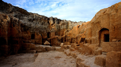 Excavations continue in the 12,000-year-old cave of Tigranakert