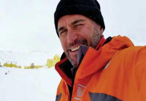(Eastern Armenian) Աշխարհի ամենաբարձր գագաթներ նվաճած հայազգի լեռնագնացը ֆրանսիայից ոտքով կգա Հայաստան