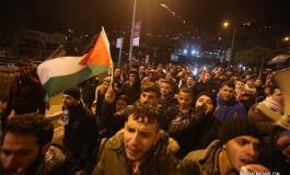 (Français) Pleins feux: la reconnaissance par les Etats-Unis de Jérusalem en tant que capitale israélienne éveille les sentiments du monde islamique