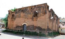 (Turkish) Ermeni kilisesi kaderine terk edildi