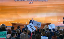 (Français) En direct: Vladimir Poutine passe son 13e grand oral devant les journalistes